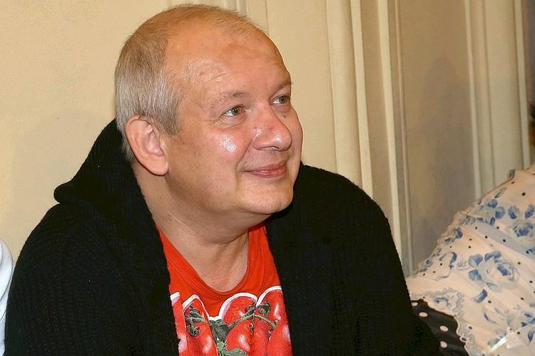 Актер Дмитрий Марьянов скончался 16 октября 2017 года.