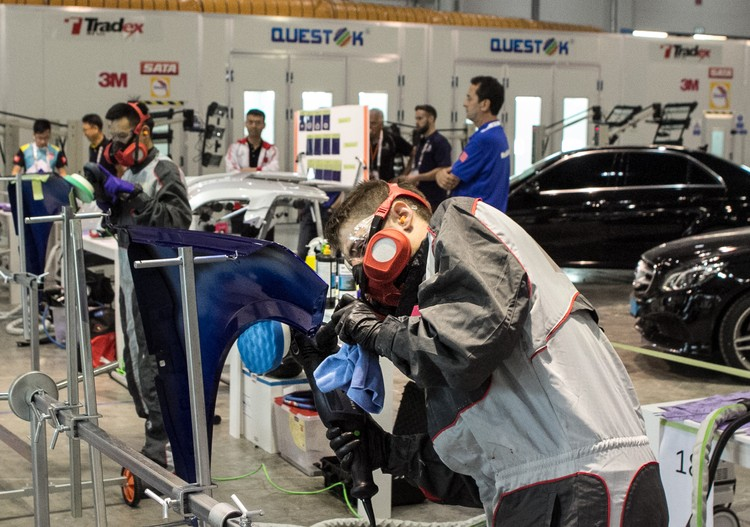 В 2019 году в Казани автомобильные маляры будут работать с российскими кузовами. В других компетенциях тоже будут представлены наше оборудование и технологии.