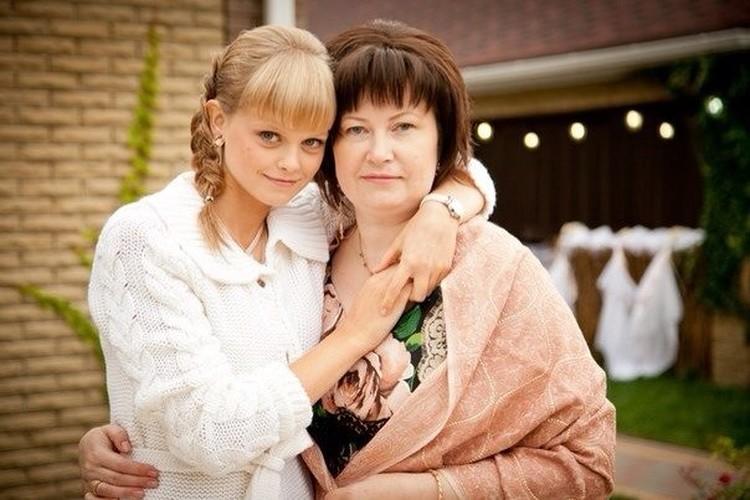 Дочь Вячеслава Цеповяза Оксана с мамой Натальей