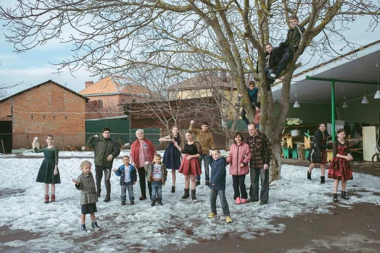 """На Дону выпал первый снег. Ну как тут не поиграть в снежки. Фото: страница в """"Одноклассниках"""" Татьяны Сорокиной."""
