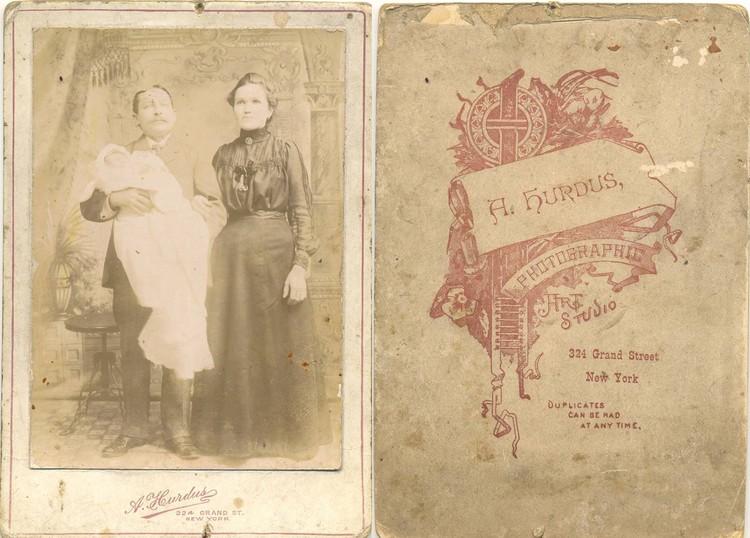 На этих фотографиях предки журналиста Дарьи Путейко позируют в нью-йоркской студии по адресу: 324 Grand Street.