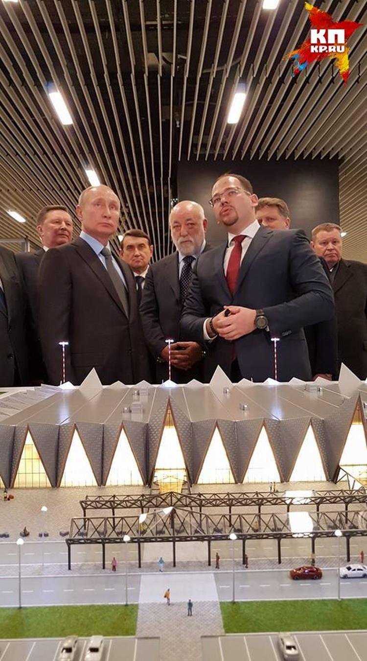 Владимир Путин особенно заинтересовался вопросом, что же будет на месте прежнего аэропорта, который находится в черте города.