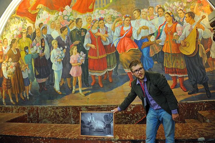 В 2010 году центральное панно обрушилось и его переписали. Обновили и остальные фрески