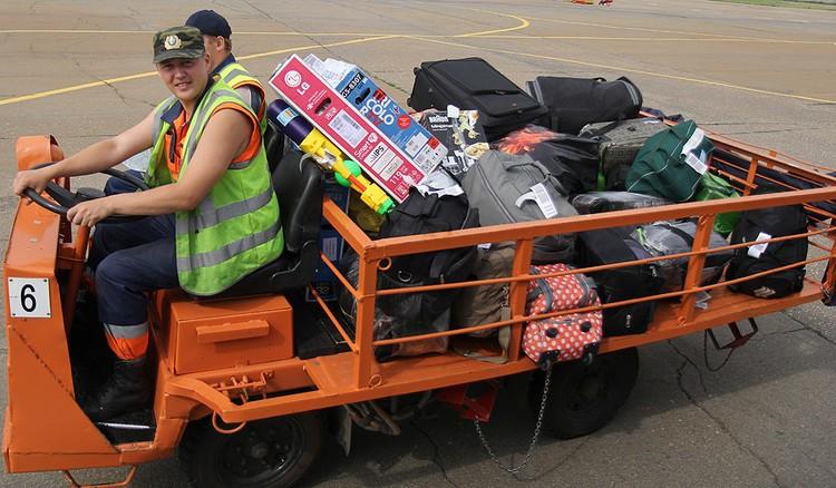 Система контроля провоза ручной клади была введена в связи с участившимися жалобами пассажиров на нехватку места для ее размещения в салоне воздушного судна.