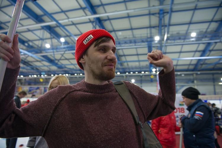 "Фотокорреспондент Валерий Звонарев бился за ""золото"" до последнего. Фото: Андрей ТКАЧЕНКО."