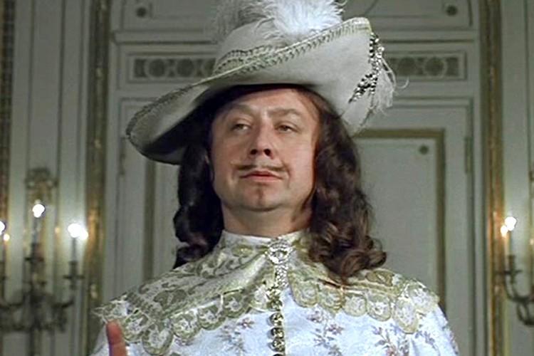 «Д'Артаньян и три мушкетера» - тут Табаков с легкостью вжился в опереточный образ Людовика XIII