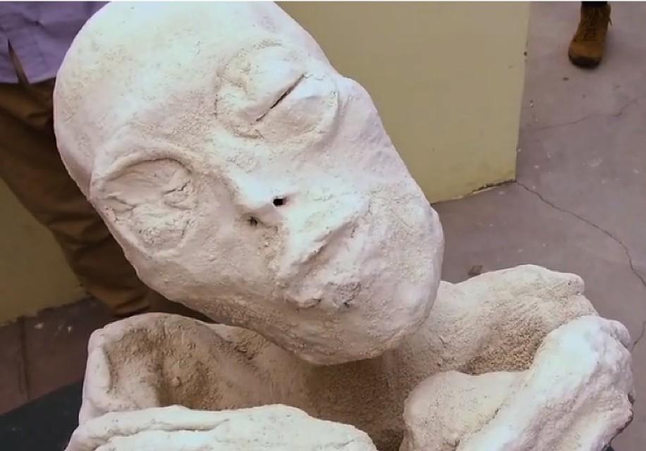 У мумии лицо не мумии, - уверяют антропологи.