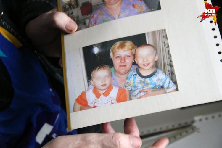 Таня и Андрей поехали в кемеровский торговый центр в сопровождении мамы