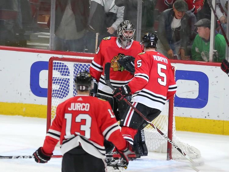 Впервые за 30 лет в НХЛ в одной игре дебютировали сразу два вратаря.