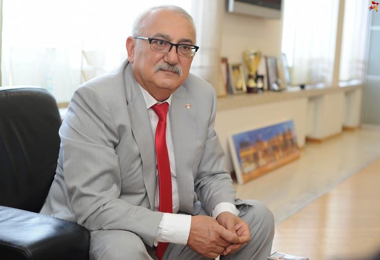 Третьим стал 61-летний Павел Топузидис - председатель совета директоров «Табак-Инвеста».