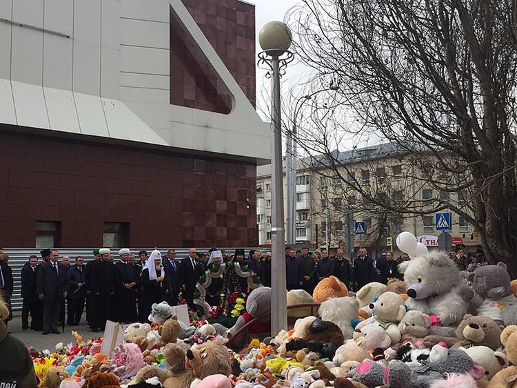 Предстоятель РПЦ приехал помолиться о погибших на сороковой день трагедии