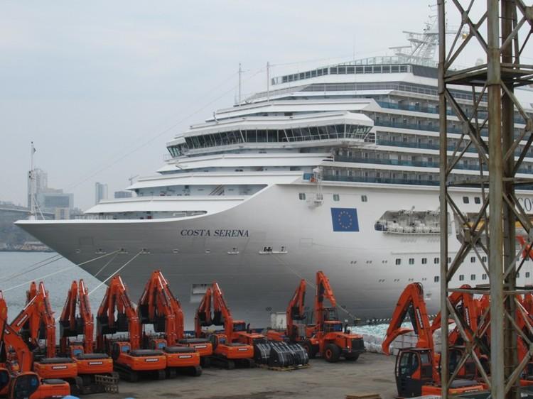Длина лайнера – 290 метров, ширина – 36
