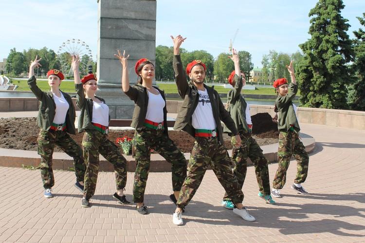 Встречу украсили песни и танцы. Фото: пресс-служба администрации Твери