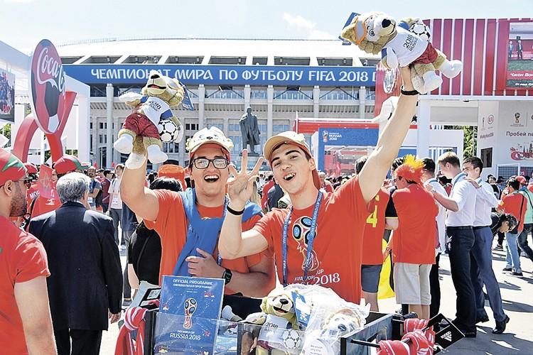 Футбольные фанаты и туристы – это очень разные люди. Болельщик – не стандартный потребитель туристических услуг.