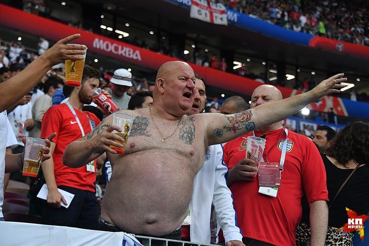 Английские болельщики массово подъехали только к полуфиналу