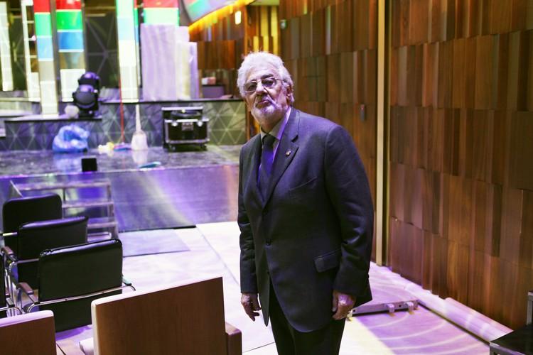 Маэстро исполнил на русском языке отрывок из оперы «Пиковая дама» Чайковского. Фото: пресс-служба концертного зала «Зарядье».