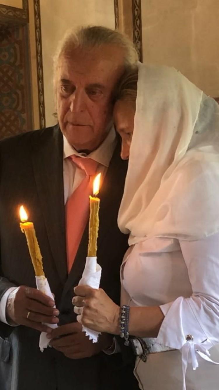 Невеста вошла в храм в эффектном белоснежном наряде. Фото: личный архив Ильи Резника
