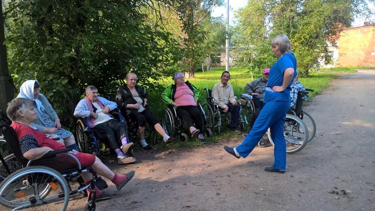 """Волонтеры фонда """"Старость в радость"""" мечтают о создании в стране единой стране системы долговременного ухода за пожилыми людьми"""