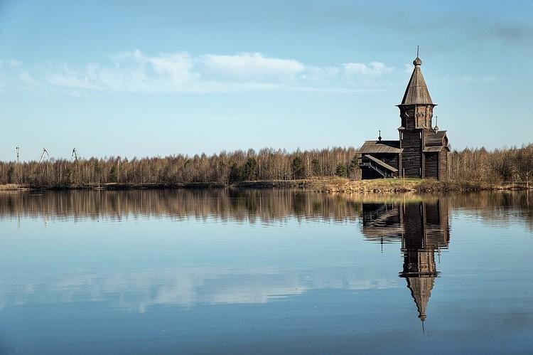 Церковь привлекала многих туристов Фото: Православная молодежь Карелии