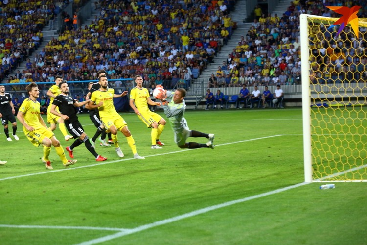 Ханнес Тоур Халльдоурссон вратарь «Карабаха» и сборной Исландии прыток и надёжен