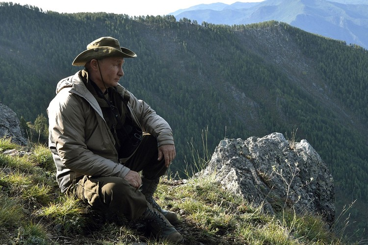 В этот раз президент не рыбачил, ограничившись походом в горы. Фото: Алексей Никольский/пресс-служба президента РФ/ТАСС