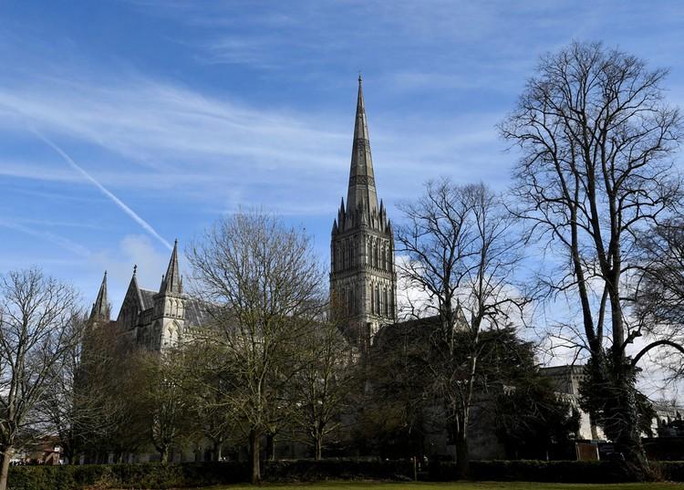 Собор в Солсбери, привлекший внимание Боширова и Петрова 123-метровым шпилем.