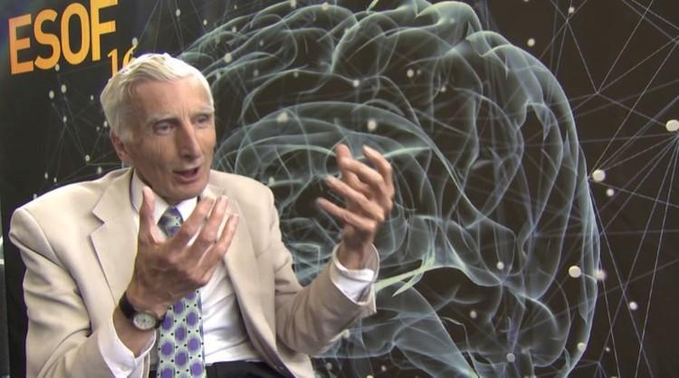 Возродил прежние страхи барон-астроном Мартин Рис.