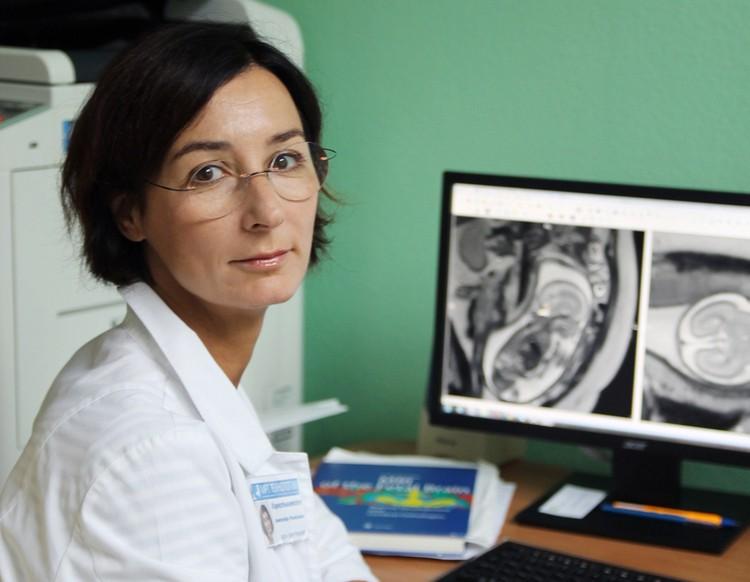 Доктор медицинских наук, старший научный сотрудник, заведующая отделением медицинской диагностики «МРТ-технологии» Александра Михайловна Коростышевская.