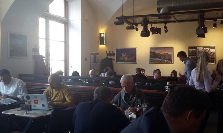 """""""Комсмолка"""" побывала в тот самом кафе, где накануне буянили горе-футболисты"""