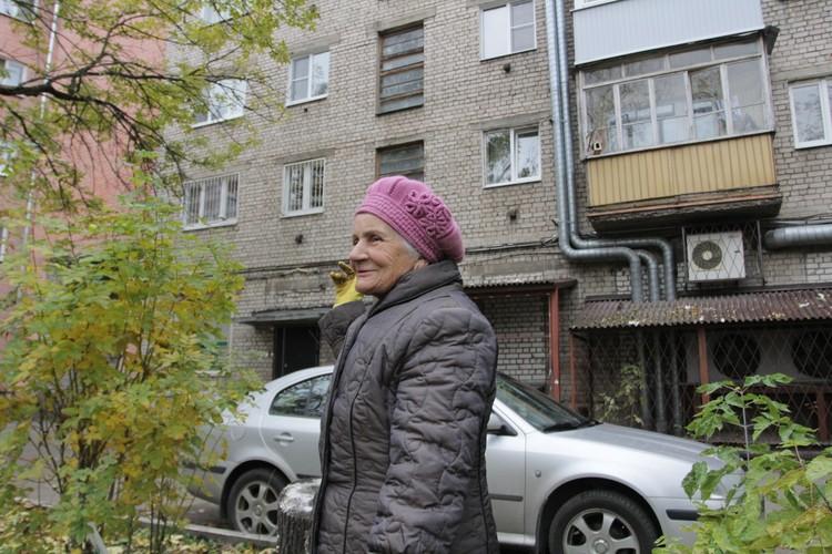 Солженицин лучше, чем серая стена - считает местная жительница