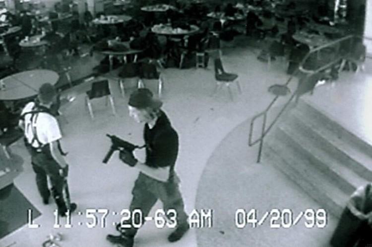 Одной из наиболее громких трагедий, породившей целую субкультуру подражателей среди молодежи, по праву считается массовое убийство в средней школе «Колумбайн»
