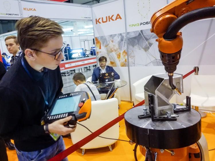 Высокие технологии – спутники большинства рабочих профессий.