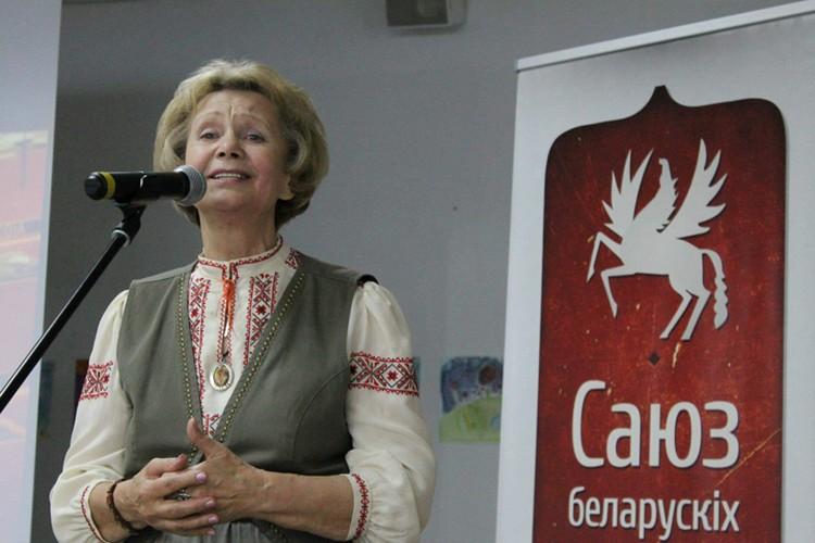 Зинаида Бондаренко всегда ассоциируется с белорусским языком и белорусской искренностью. Фото: Марина ВЕСЕЛУХА
