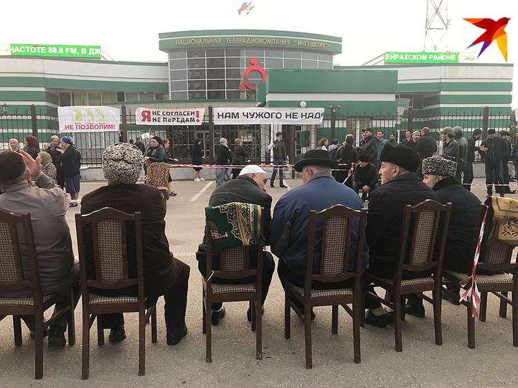 Вы не увидите «кавказский Майдан» на российском ТВ. Для телевизора это лютый «харам»