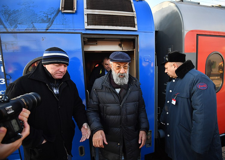 Одним из первых поезд посетил Первый Вице-президент Русского географического общества Артур Чилингаров