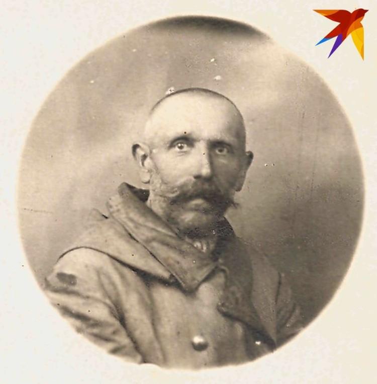 Не так давно выяснилось, что дед Шушкевича по материнской линии восстановлен в дворянском звании. Фото: личный архив.