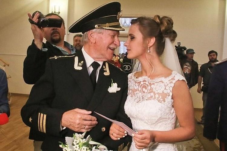 Брак актера с Натальей Шевель продержался три года.