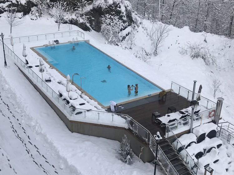Бассейн в отеле «Green Flow» открыт для постояльцев с 9.00 до 22.00.