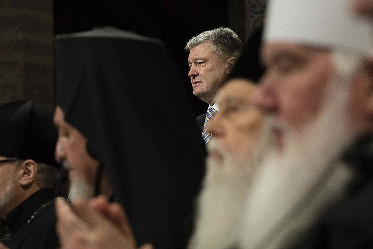 Петр Порошенко на так называемом «объединительном» съезде в Киеве.
