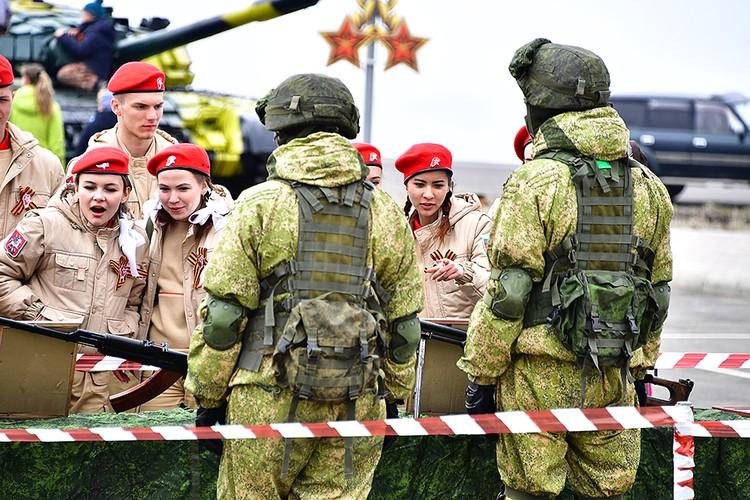 С 2011 года Россия начала модернизацию военных баз на островах Кунашир и Итуруп