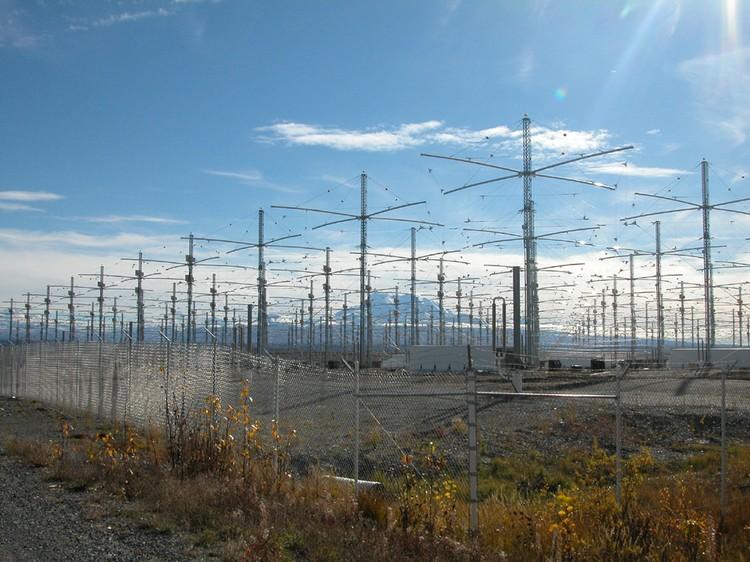 Антенное поле станции HAARP на Аляске. Фото Википедия