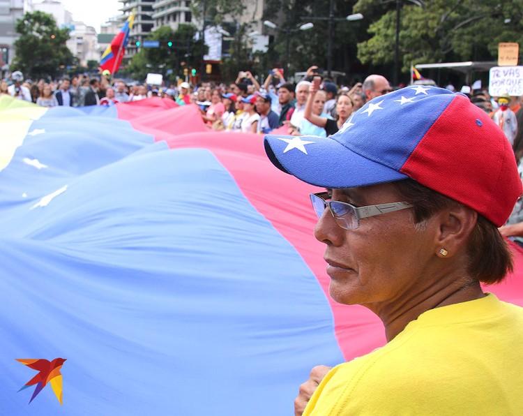 По мнению Игоря и Елены, в Венесуэле формируется мнение, что Россия обкрадывает их страну.