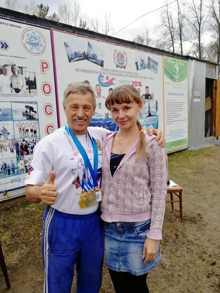С предводителем барнаульских моржей - Александром Зеленецким