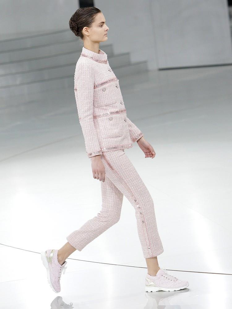 На показе Chanel весна/лето 2014.