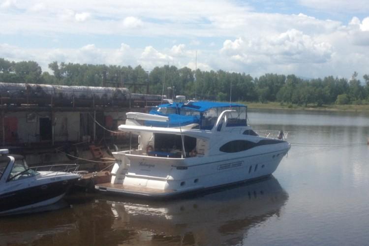 Кто больше? Судьбу «золотой» яхты экс-губернатора Хабаровского края решит аукцион