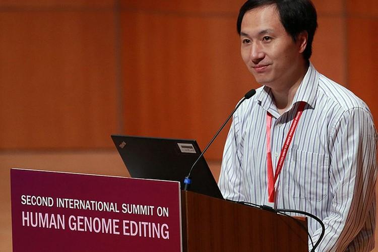 Хе Цзянькуи, заявил, что изменил у детишек ген CCR5