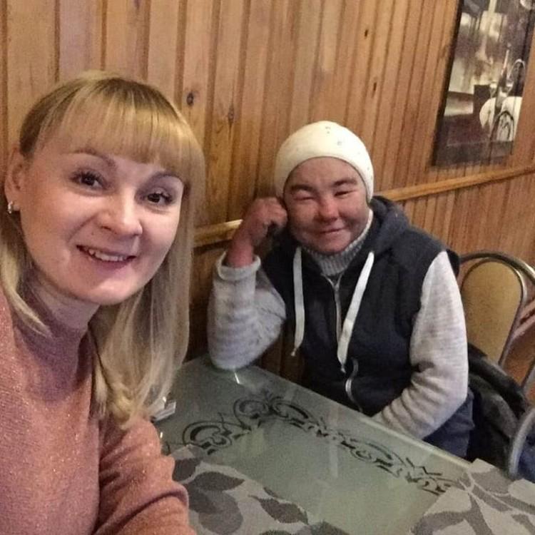 Екатерина и ее подопечная Ольга. Фото: проект «Другая медицина».