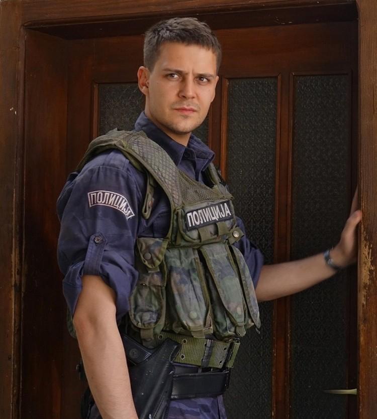 Милош сыграл в фильме сербского полицейского. Фото: портал Кинопоиск.ру