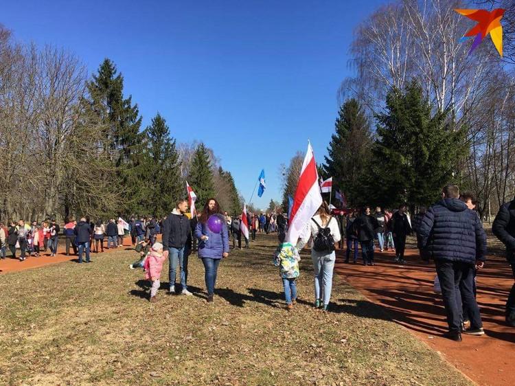 На празднике очень много детей. Фото: Ника КОВАЛЕВА
