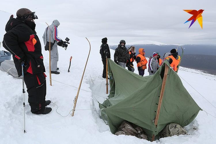 Палатку установили на том самом историческом месте.